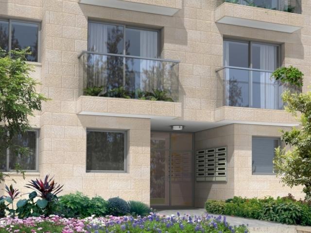 Elmaliach 144, Jérusalem – entrée du bâtiment après la mise en œuvre de Tama 38 projet