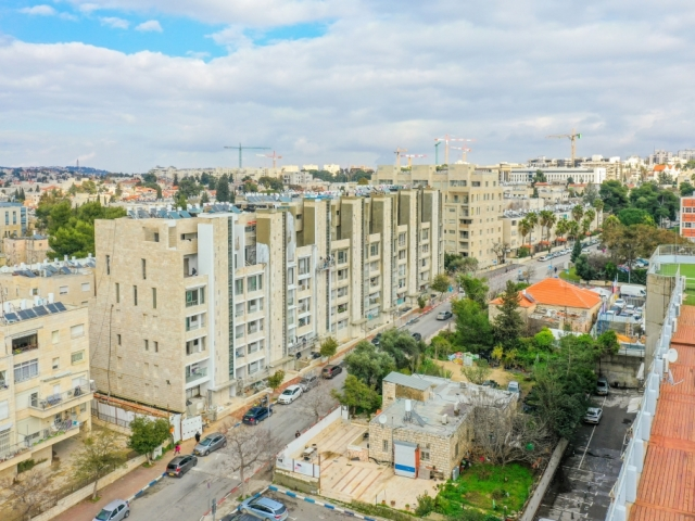 Rivka 22, Jerusalem – Tama 38  - Construction work