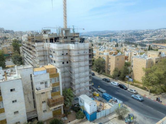 """ים סוף 5 – פרויקט תמ""""א 38 בירושלים – בשלבי בנייה"""